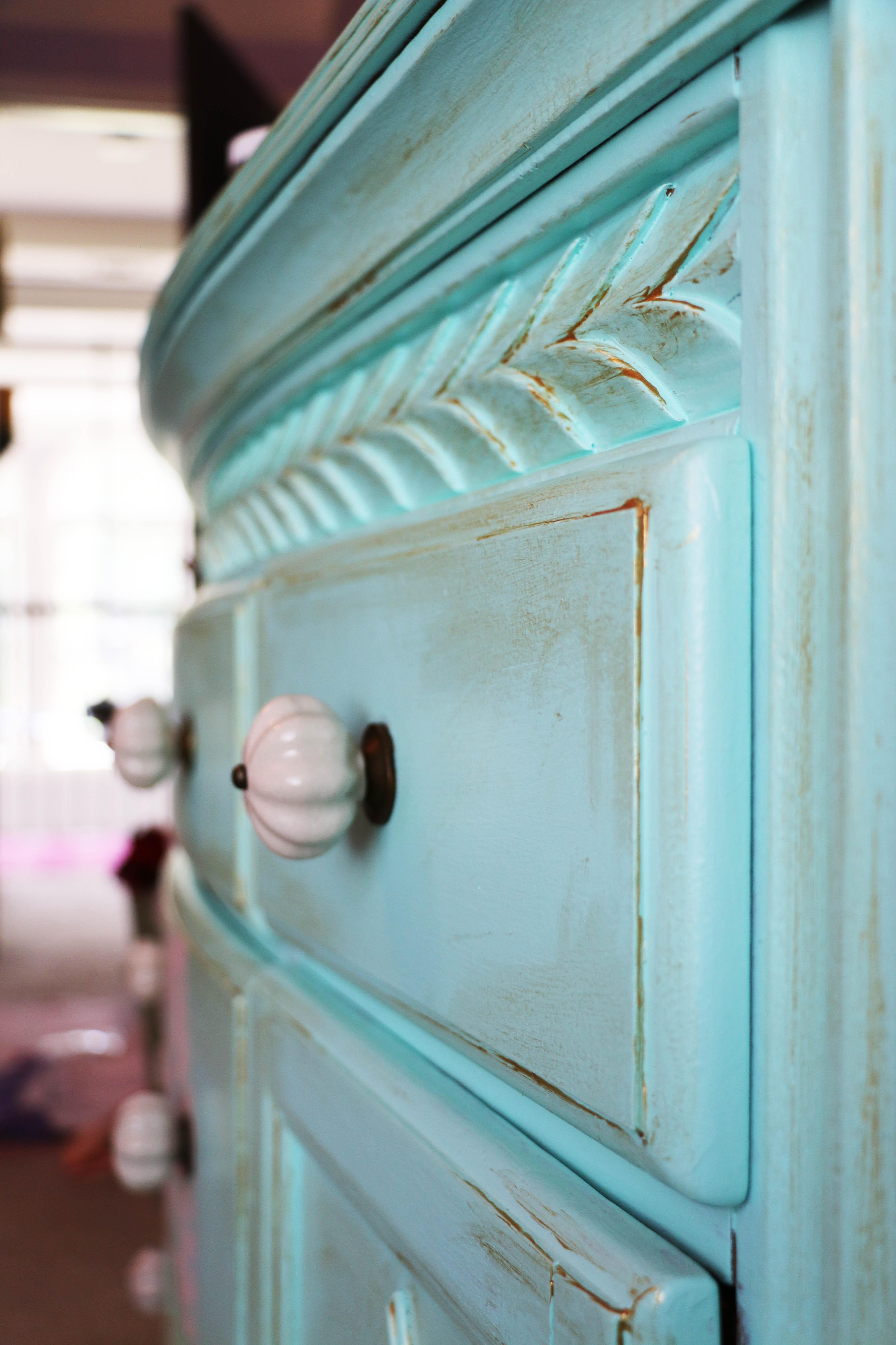 Dresser Detail 2