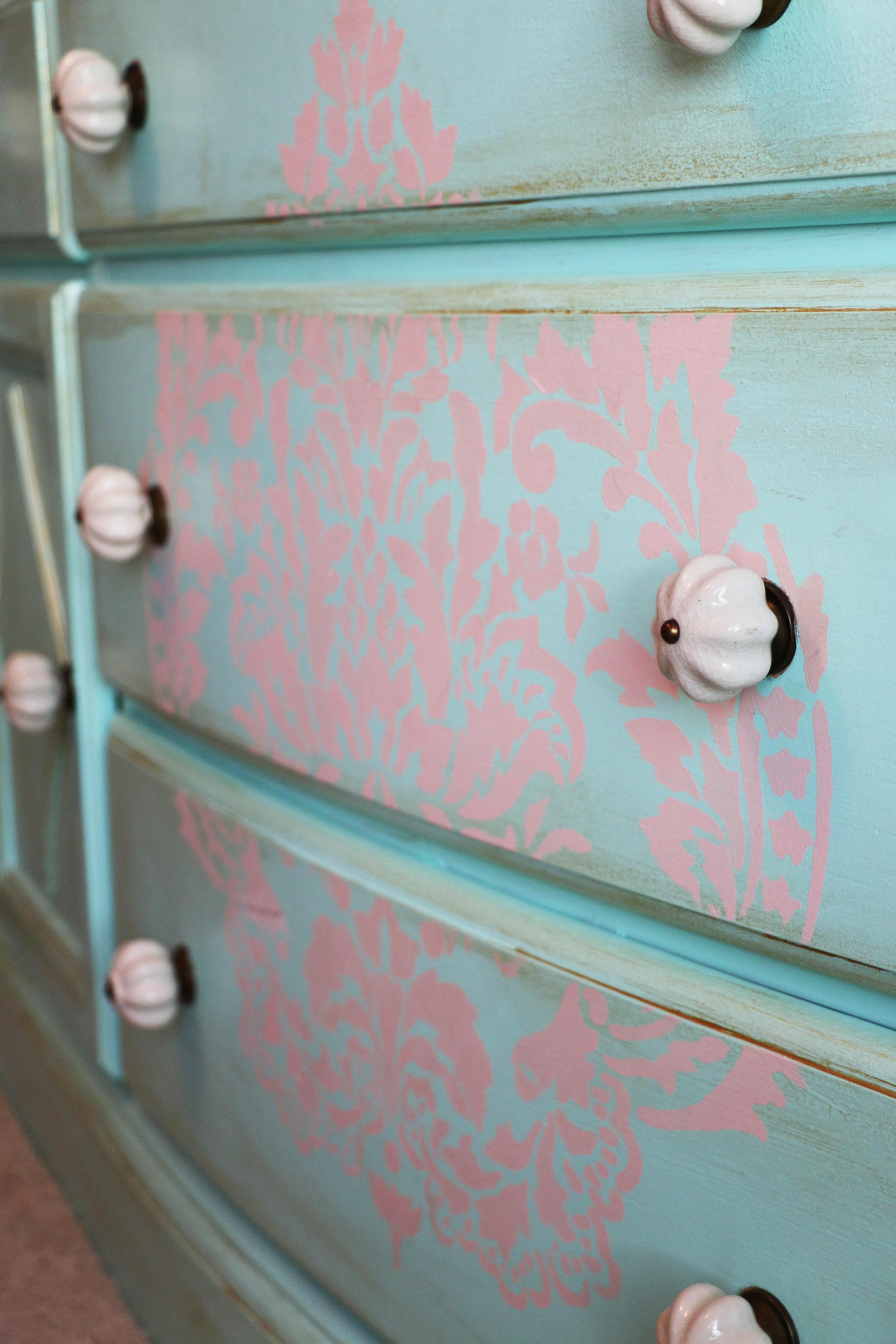 Dresser Detail 3