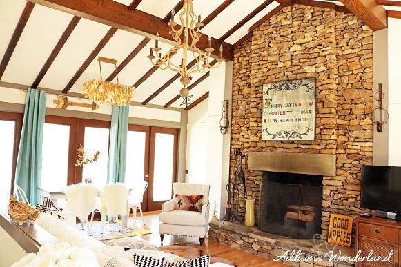Cabin Living Room 12L