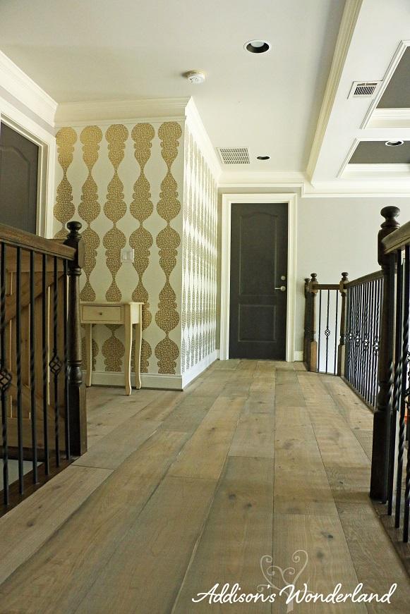 Hallway Wallpaper 1L