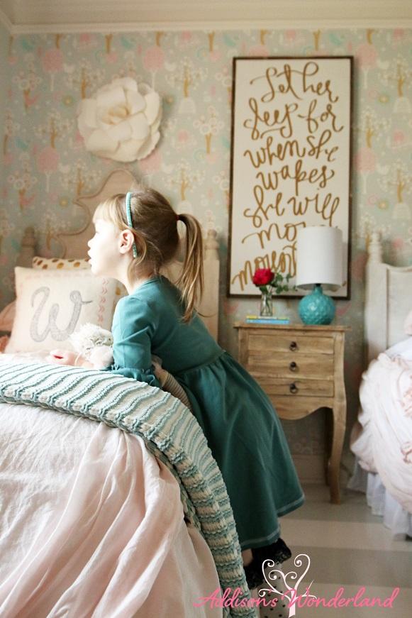 Winter's Big Girl Room 16L