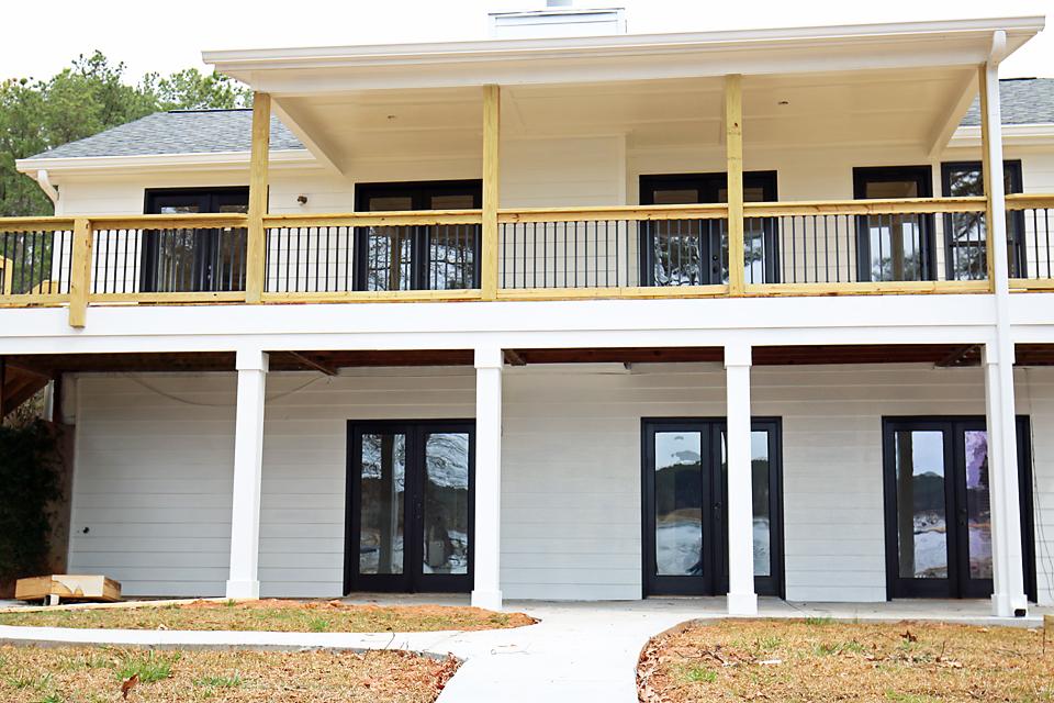 Lakehouse Exterior 4
