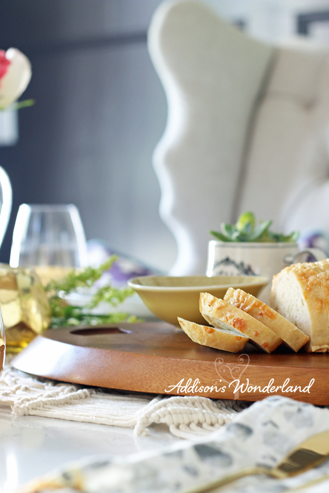 A8 Nambe Wooden Cheeseboard Vintage Table Setting