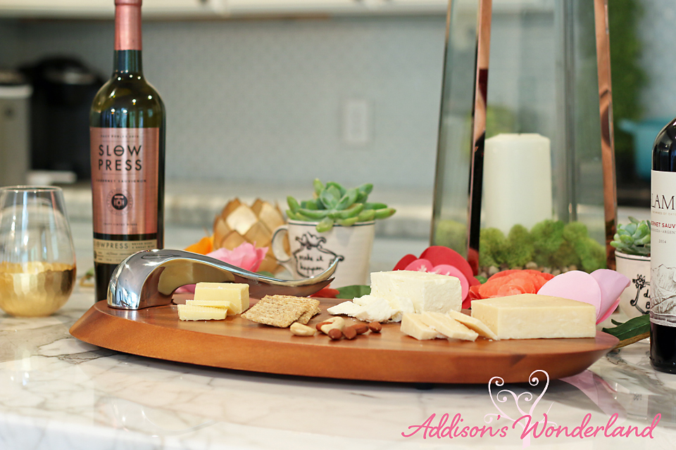 A25 Nambe Wooden Cheeseboard_edited-1