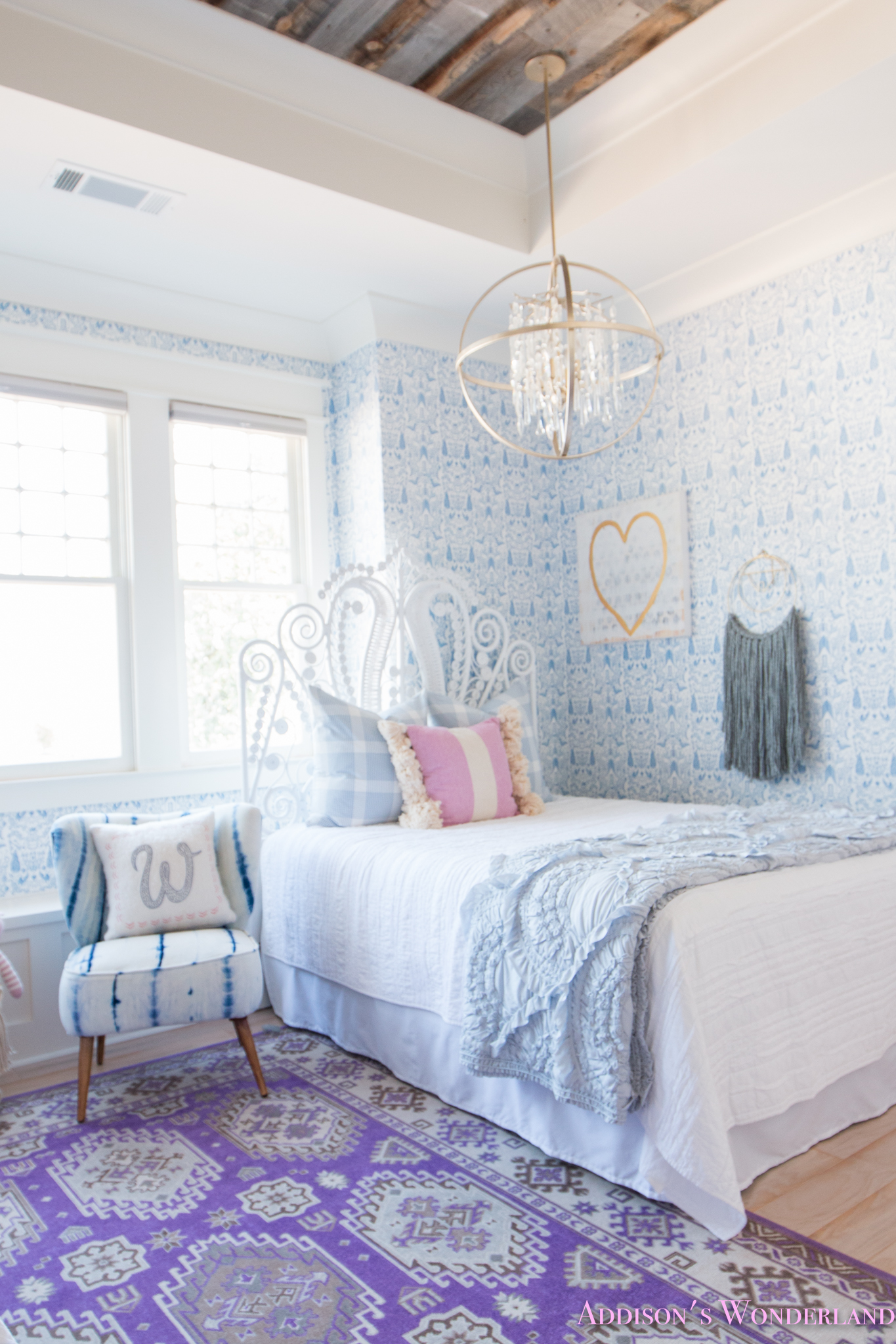 My Sweet Winnie\'s Blue and White Little Girl\'s Bedroom Update...