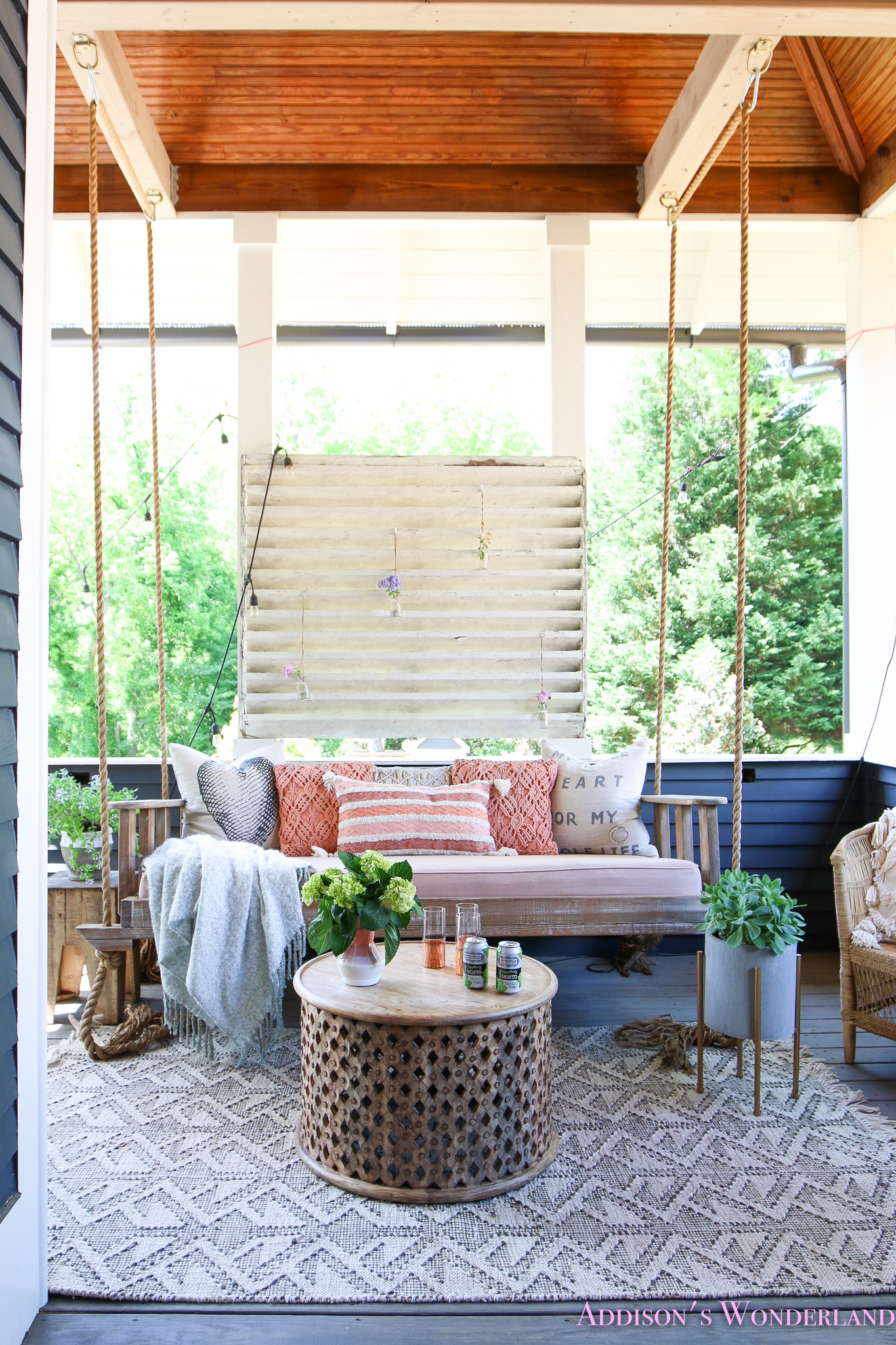 It's Almost Summer! A Fun & Colorful Back Porch Refresh…
